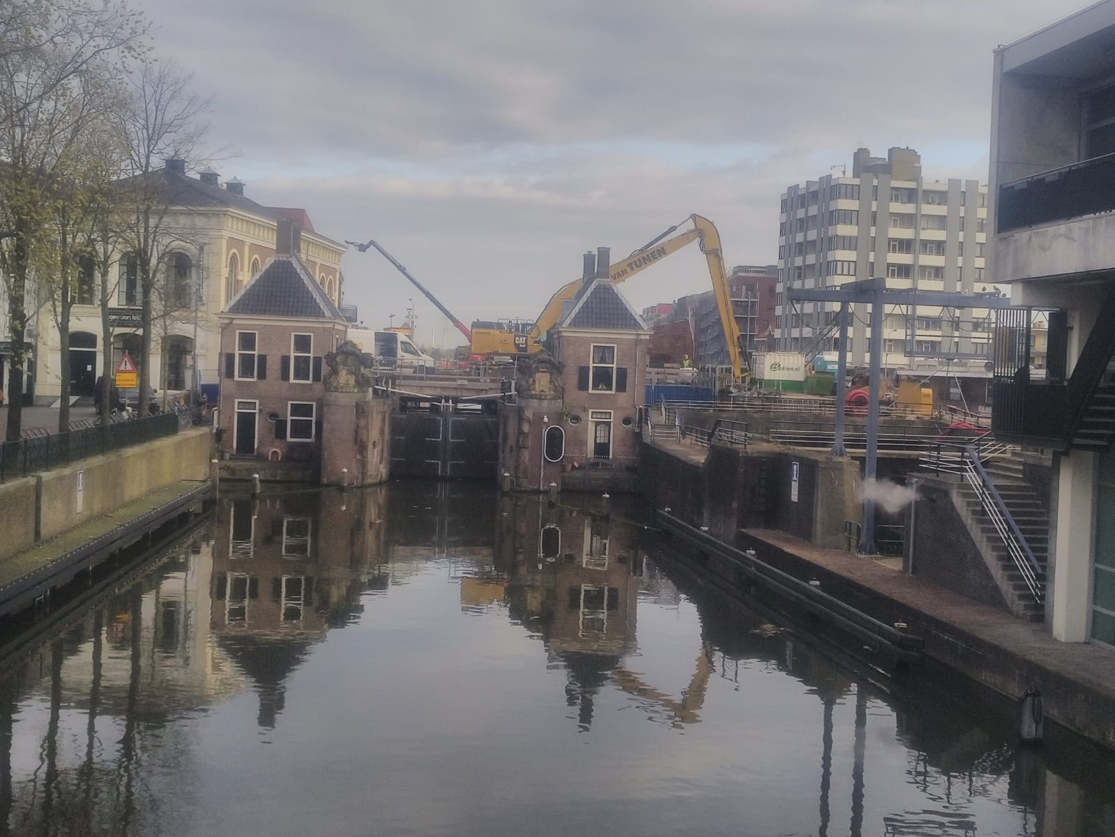 04/2020 Challenging job at the Wilhelmina Lock Zaandam ~ Beelen Sloopwerken