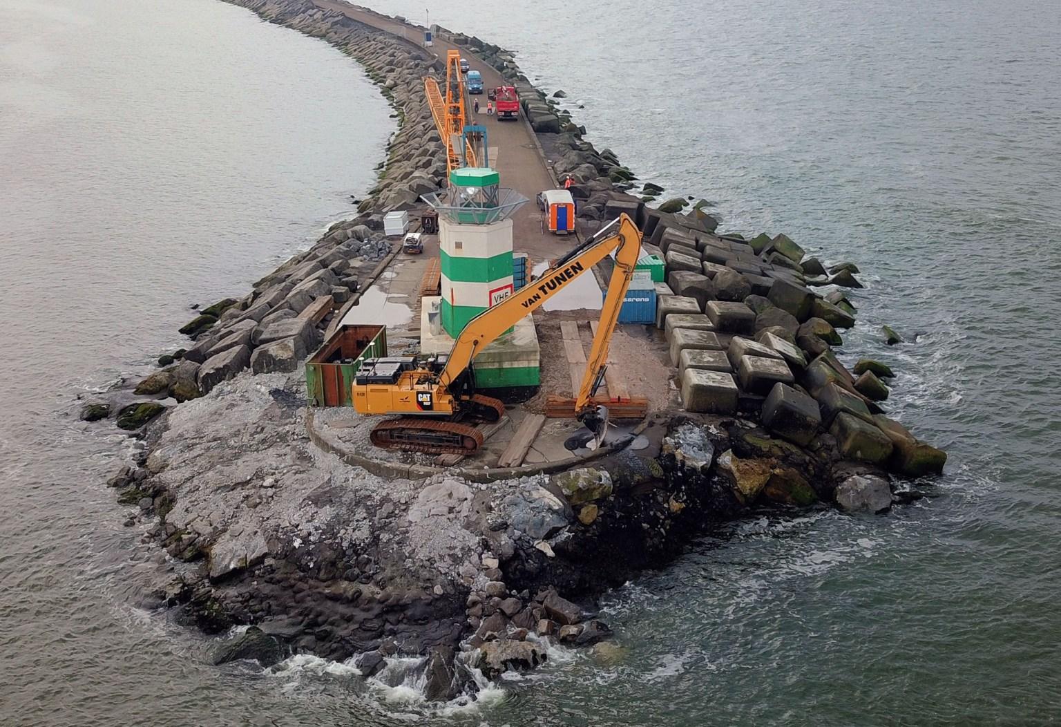 11/2020 : Herstelwerkzaamheden zuidelijk havenhoofd IJmuiden